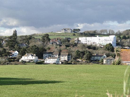 Thurlestone Hotel: The Hotel from the Coast Path