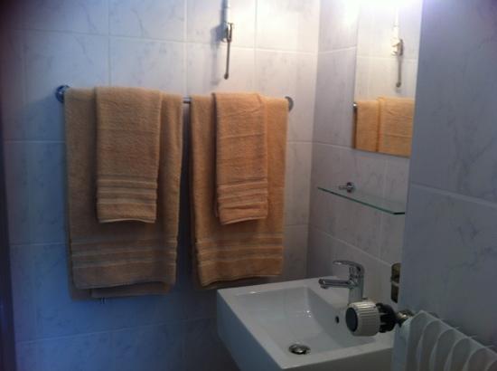 Lunika Hôtel : salle de bain