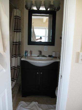 Schooner Hotel: Room 211-vanity-this room should be for 1 person or 2 who really like each other :)