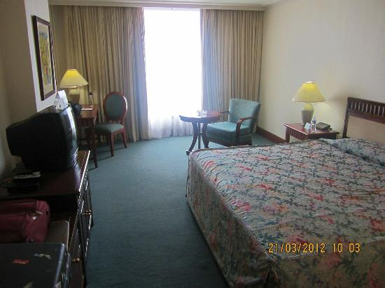 Grand Regal Hotel: View of the room from the opposite side