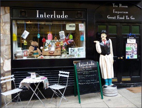 Interlude Tea Room & Emporium: absolutley brilliant and tasty scones
