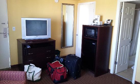 Best Western Daytona Inn Seabreeze: More random hotel room pics