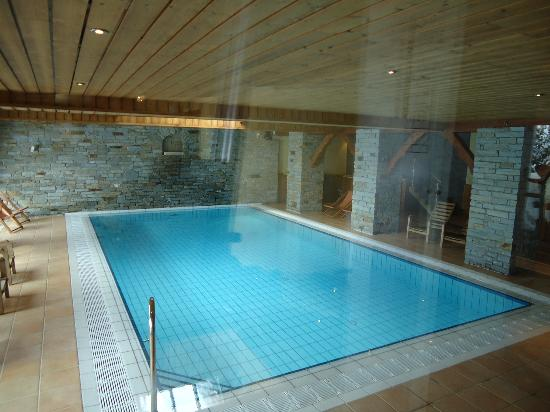 Hôtel Les Balcons Village : la piscine
