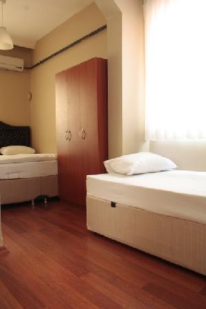Nobel Hostel: Triple Room Ensuite