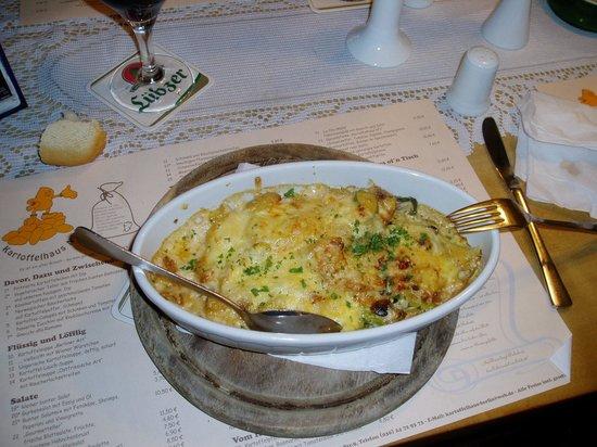 Friedhard´s Lichterfelde: Sformato di patate con verdure miste.