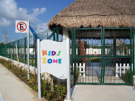 Paradisus Playa Del Carmen La Esmeralda: kid zone opens at 4pm