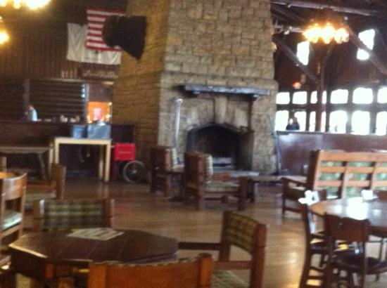 Starved Rock Lodge & Conference Center: ballroom- really cozy & charming
