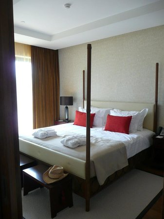 Cascade Wellness & Lifestyle Resort: Bedroom