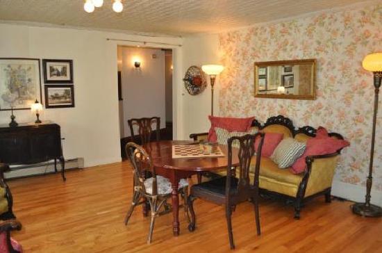 The Wayside Inn: Living Room