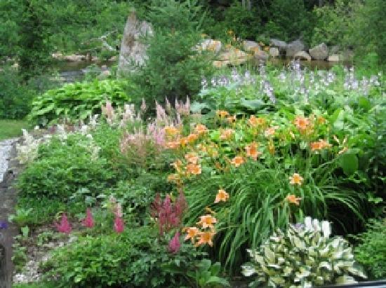 The Wayside Inn: Garden