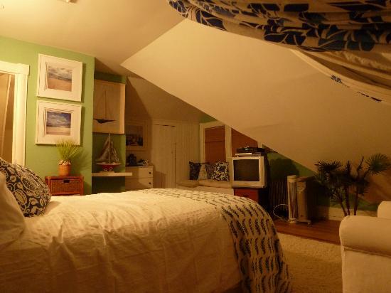 Asbury Park Inn: crest suite bedroom