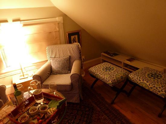 Asbury Park Inn: living room area