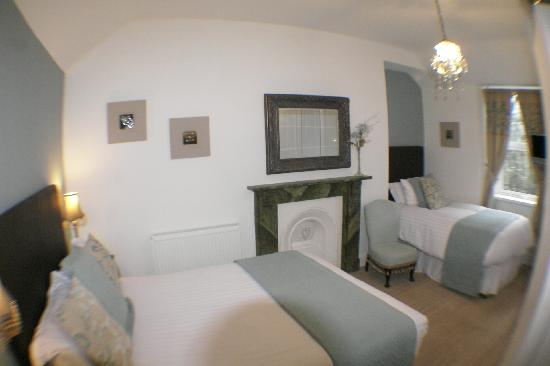 Afon View Guest House: Twin/Family Room