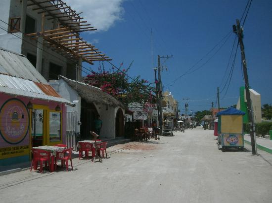 هوتل كاسا لوبيتا: El pueblo muy tranquilo.