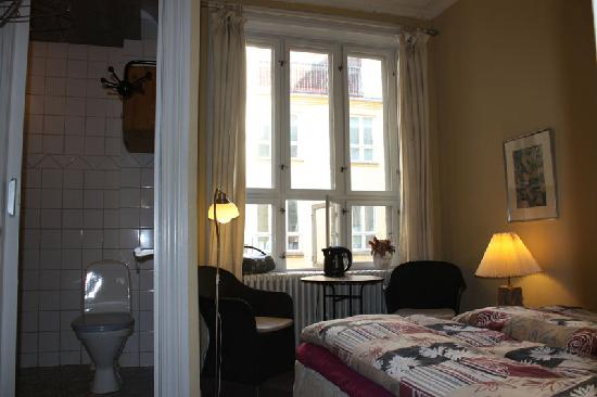 Bed & Breakfast BONVIE: Double room with private bath