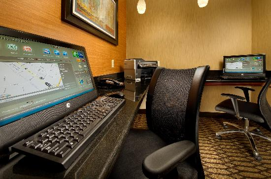Holiday Inn Express Hotel & Suites Chambersburg : Business Center