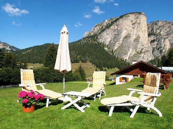 Residence Apartments Risaccia: relax in our garden - also barbecue