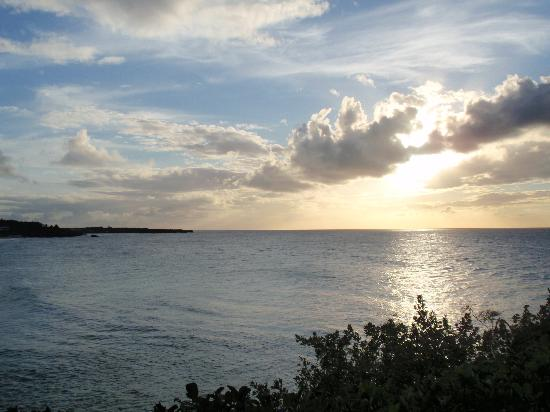 Anguilla Great House Beach Resort: Sunset at Viceroy; don't miss it!