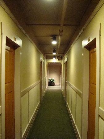 Kingston Hotel: Hallway