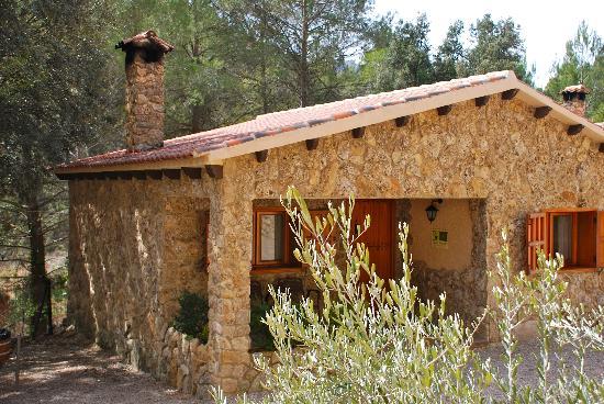Casas rurales batan rio tus casas de piedra fotograf a - Casa de piedra porcuna ...