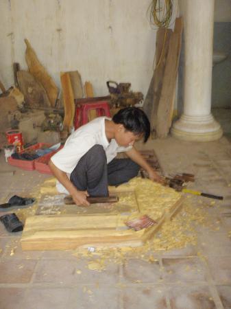 Kim Bong Carpentry Village: cv