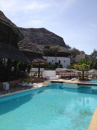 Diamonds Mapenzi Beach: piscina mapenzi
