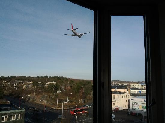 Mornington Hotel Stockholm Bromma: Flugzeug