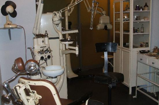 Brno Technical Museum: Vintage dentist office