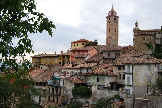 Le Case della Saracca: Monforte d'Alba