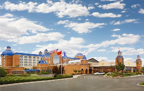 Ameristar Casino Hotel Council Bluffs: Exterior