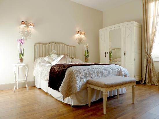 Montchateau: Large, comfortable, classic rooms