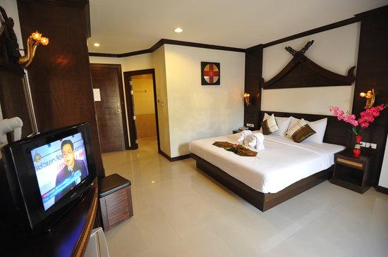 โรงแรมเลมอนแกรสป่าตอง: Deluxe Room
