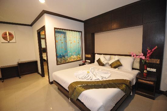 โรงแรมเลมอนแกรสป่าตอง: Superior Room