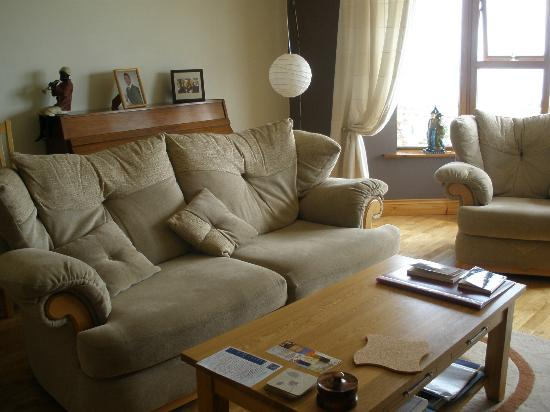 Inishowen Lodge: Cpmfortable Guest sitting room