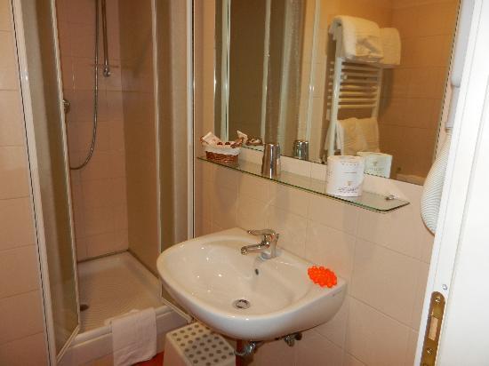 Residenza Domiziano: Bathroom