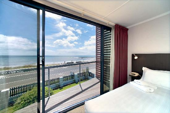 Burnie Ocean View Motel and Holiday Caravan Park: King room SeaView unit