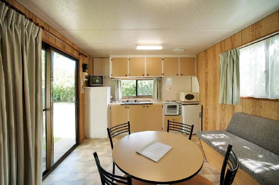 Burnie Ocean View Motel and Holiday Caravan Park: Family cabin