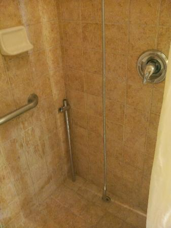 "Hawthorn Suites by Wyndham Corpus Christi: ""Bathroom"""