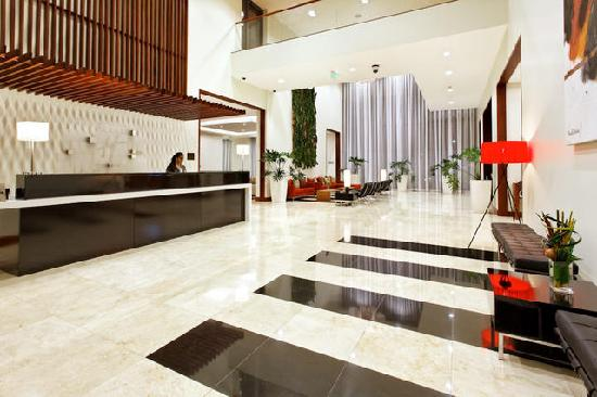 Holiday Inn San Jose-Escazu: LOBBY DEL HOTEL