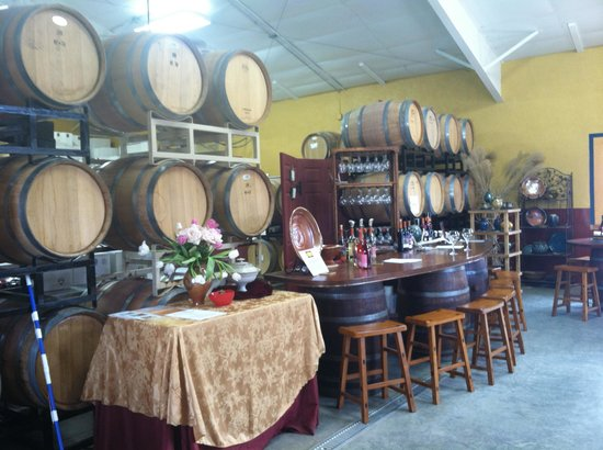 Malaga, WA: Inside the Tasting Room