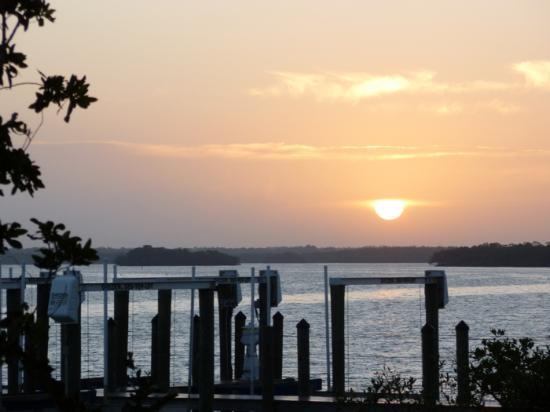 Lovers Key Resort: Sunrise from pool area