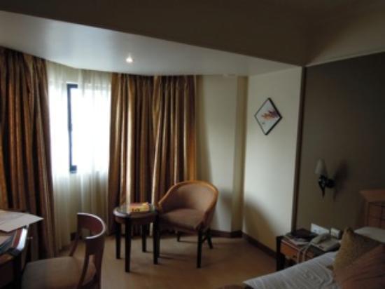 Ramee Guestline Hotel, Juhu: ROOM