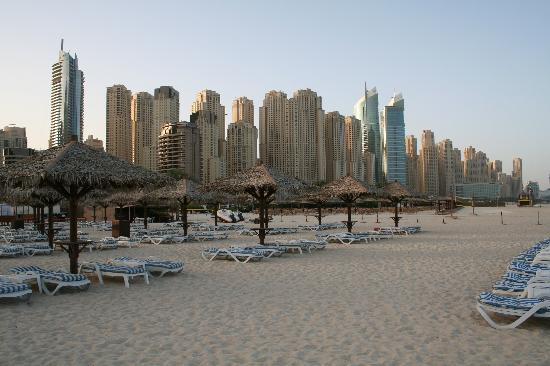 Habtoor Grand Resort, Autograph Collection, A Marriott Luxury & Lifestyle Hotel: View from the beach