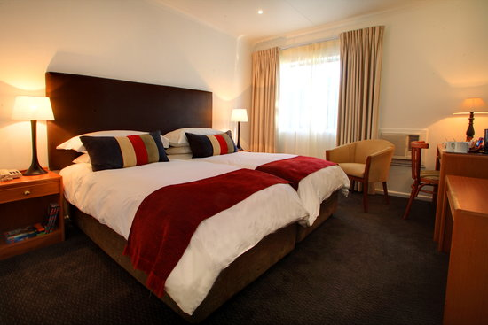 Protea Hotel by Marriott George Outeniqua: Twin-bedded Room