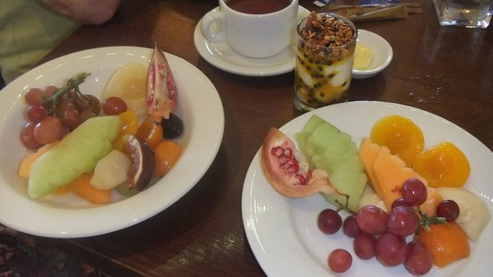 ... Resort Blue Mountains - MGallery Collection: Fresh fruit for breakfast