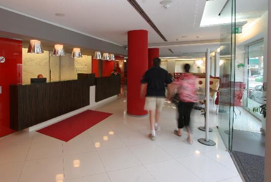 Hotel Oasis Plaza : recepción - reception