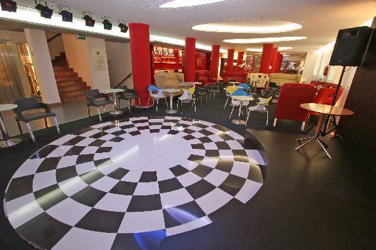 Hotel Oasis Plaza : pista de baile - dance floor