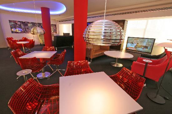Hotel Oasis Plaza : sala de TV - TV room