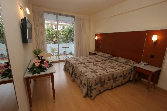 Hotel Oasis Plaza : habitación doble - double room