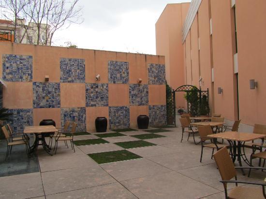 Giardino interno picture of hotel real palacio lisbon - Giardino interno ...